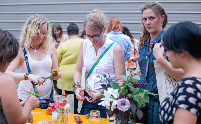 MIM-floral-workshop-meet-up-ladies