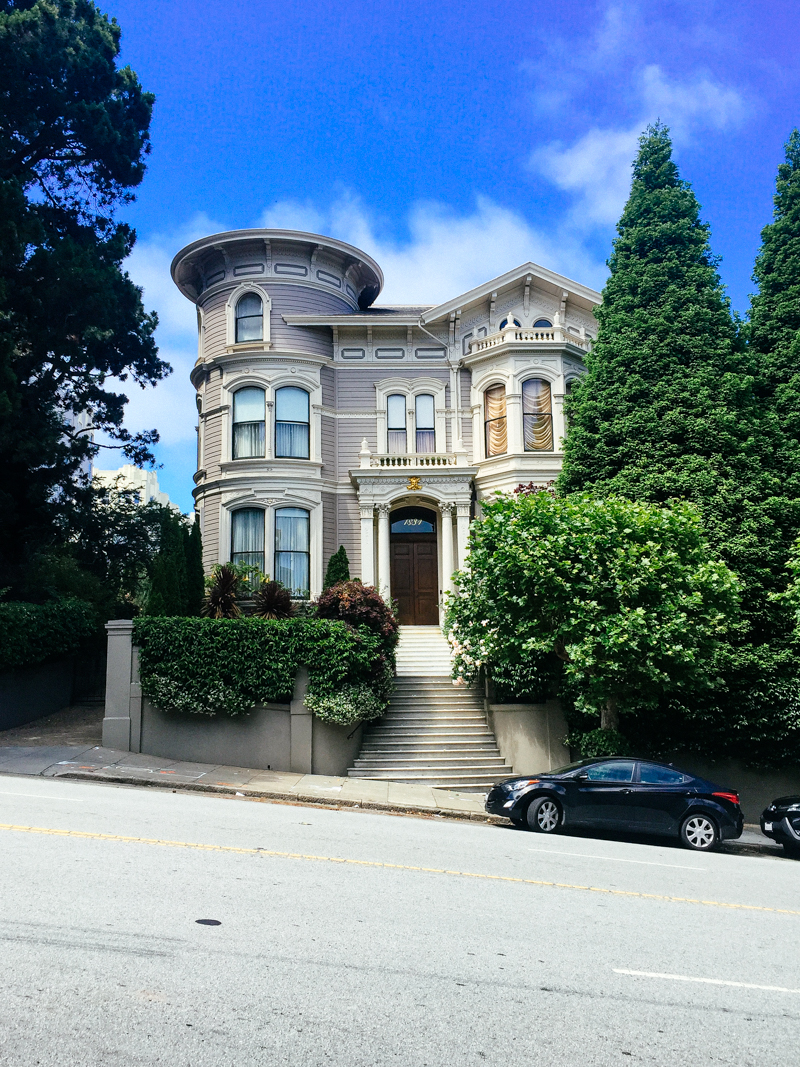 San-Francisco-Travel-Guide-Gorgeous-Victorian-Home-Hill
